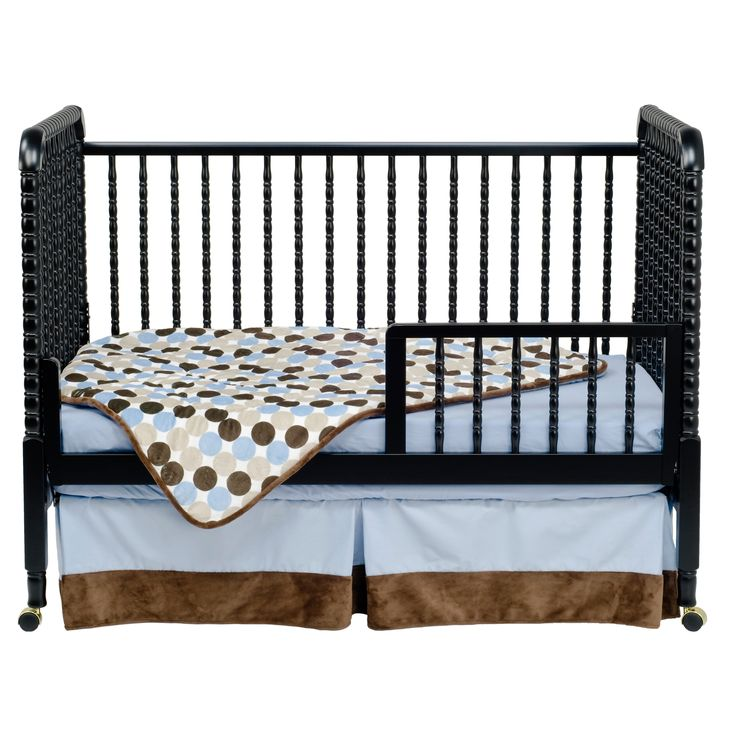 A beloved nursery favorite, DaVinci's Jenny Lind Crib boasts intricate spindle posts and classic rich finishes. We've updated this timeless crib to meet the newest and most stringent safety standards.