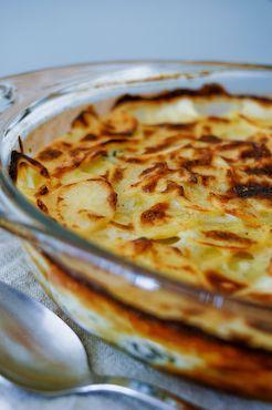 Opmerking deVegetarier-redactie: In het recept worden de aardappelen en bloemkool rauw verwerkt, maar beetgaar voorkoken is absoluut noodzakelijk (dat bleek ook uit een reactie van lezer Rattaplan!).