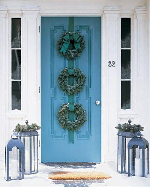 Blue christmas: Christmas Wreaths, The Doors, Front Doors Colors, Blue Doors, Christmas Doors, Holidays Decor, Wreaths Ideas, Front Doors Wreaths, Lanterns