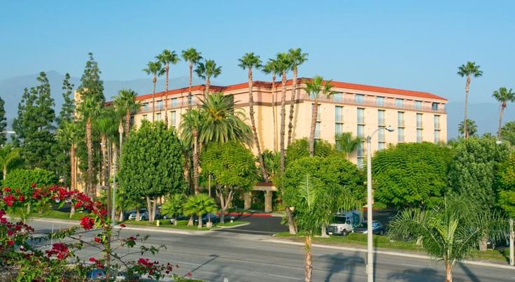 Embassy Suites Arcadia-Pasadena Area Arcadia Featuring a tranquil environment at the foothills of the San Gabriel Mountains, moments from Santa Anita Racetrack, this hotel offers a variety of free amenities, including local area transfers.