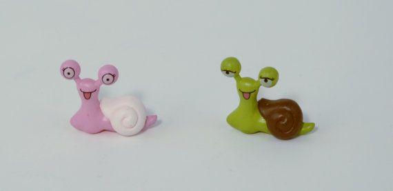 2 PC Pink Green Snails Miniature Garden Plants Terrarium Doll House Ornament Fairy Decoration AZ7988