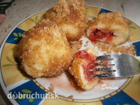 Fotorecept: Jahodové zemiakové knedle - Moje obľúbené...rada ich mám aj so slivkami a ríbezľami.