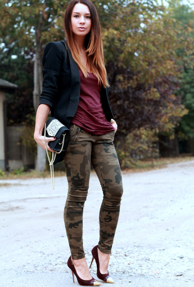Best 25+ Camo leggings outfit ideas on Pinterest | Camouflage pants Camo fashion and Camouflage ...