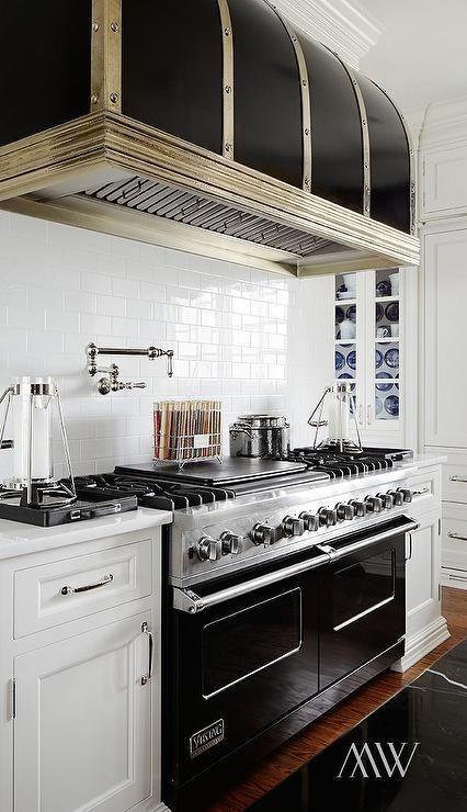 Black Viking Range, Transitional, Kitchen
