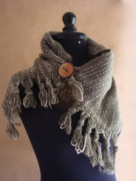 This item are made from chilean weavers and are sold all over the United States to benefit the Chilean Weavers.