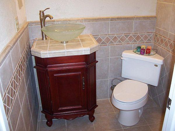 Ceramic tile Bathroom small room