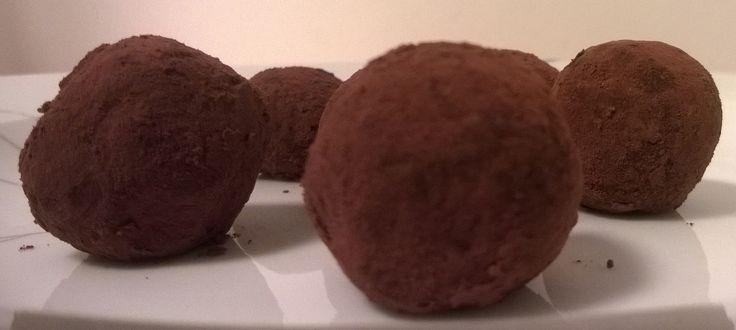 Light τρουφάκια βρώμης σοκολάτας με γεύση μήλο & κανέλλα κι επικάλυψη κακάο I Science, Gastronomy & Healthy Living