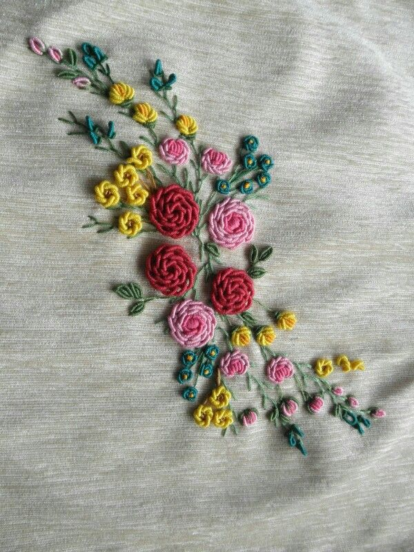 French Knot                                                                                                                                                                                 Mais