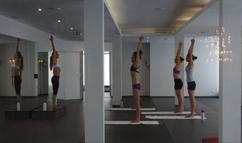 bikram yoga: Wagram, Paris