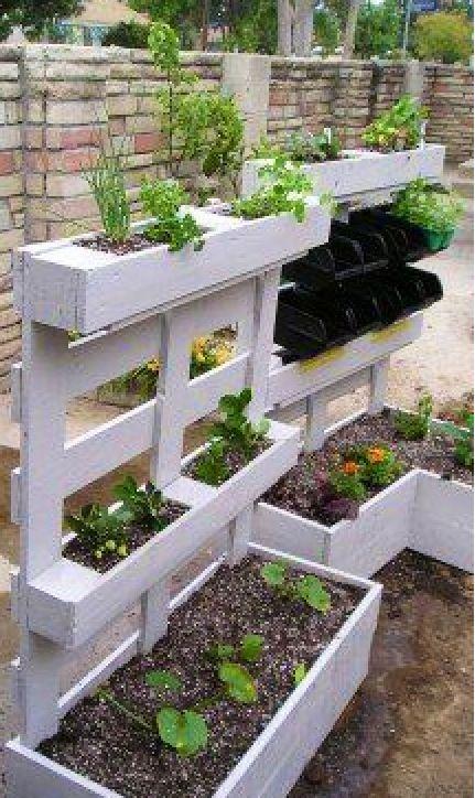 Pallet herb garden planters