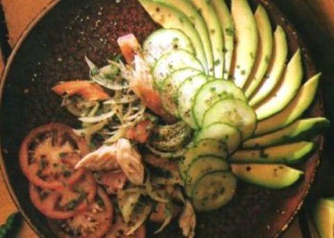 Insalata di avocado e pesce affumicato - La ricetta di Buonissimo