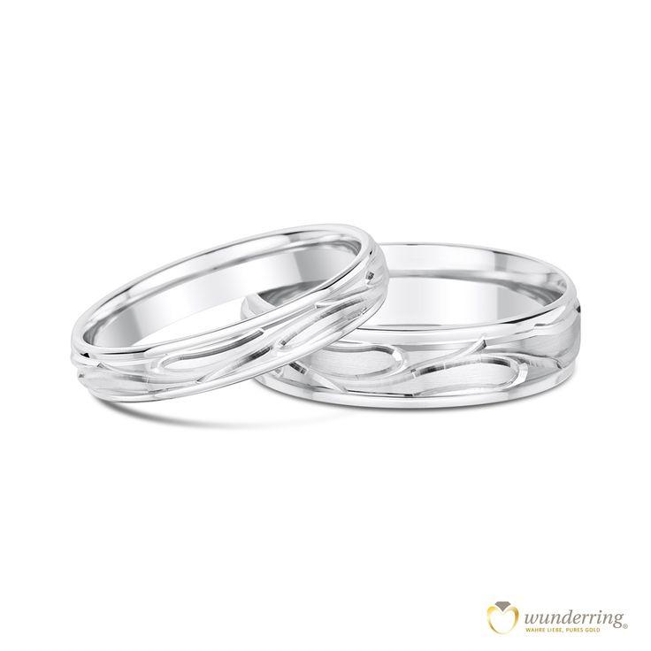 Eheringe aus Weißgold Moala mit außergewöhnlichem Muster, das an Zweige erinnert. #Trauringe #Ringpaar #Hochzeit
