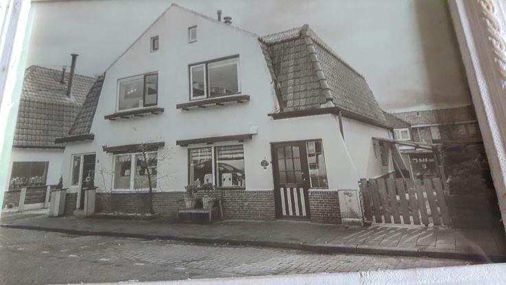Hier ben ik geboren.Burgemeester Veenstraat 8 in Kethel.(Bijdorp)