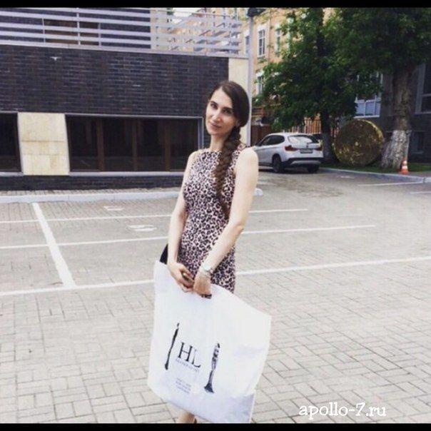 #Бренд HL уже использует свою уникальную упаковку, а вы?! На фото пакет очень большого размера - 70х60см  Хотите такой же, но со своим логотипом?! Тогда срочно к нам info@apollo-7.ru ✨ #apollo7 #apollo7paks #москва #фото #стиль #fashion #подарок #дизайнерскиеплатья #пакет #цвет #мода #мимими #лайк #красиво #мило #улыбка #друзья #пакетдляшоурума #пакет #лето2015 #упаковка #дизайнеоскаяодежда #брендоваяодежда #брендоваяобувь #девочка #девушка #шоппинг #шопинг #пакетназаказ
