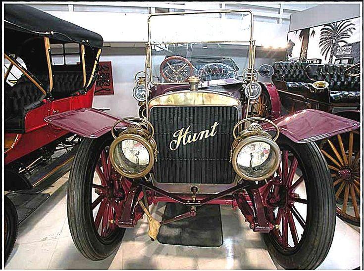 Hunt special Cabriolet, voiture routière de 1910  La Hunt special - Alkali Ike cabriolet, ce véhicule ancien fut fabriqué en 1910 seul exemplaire vendu à $16 000cette voiture special Hunt cabriolet a une carrosserie torpédo 5 places et un moteur 4cyl développant 40cv.