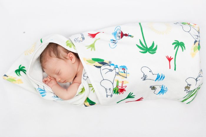 世界中のパパとママへ。ムーミンとコラボしたマタニティボックスで赤ちゃんを迎えよう | roomie(ルーミー)