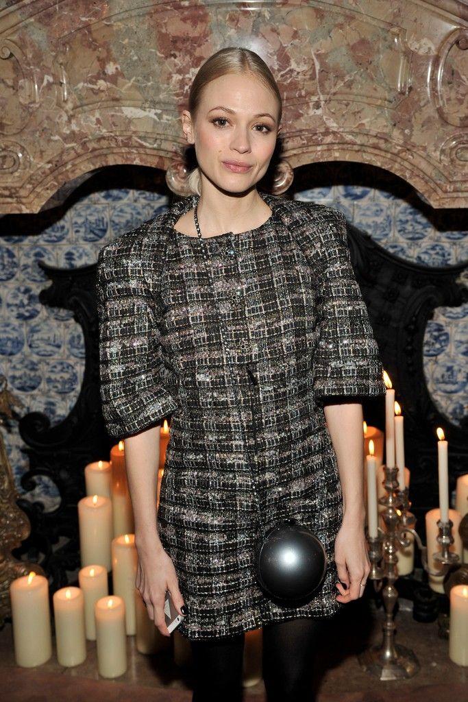Mavie Hörbiger Front Row Chanel Pre-Fall 2015