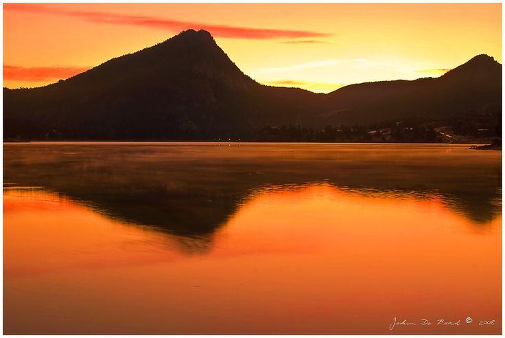 Autumn Sunrise over Lake Estes, in Estes Park, Colorado_ USA