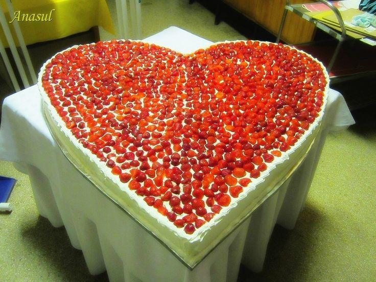 veľké ,jahodové srdce na svadbu