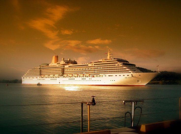 Se você nunca pensou em fazer um cruzeiro de lua de mel, vai se surpreender com os benefícios incríveis que um navio têm a oferecer à sua viagem romântica.