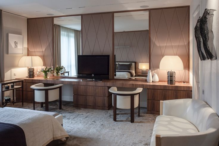 Apartment on Patriarshy . Bedroom .