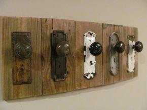 #upcycled door fittings rustic coat hooks | #Upcycling von alten Türbeschlägen zu Garderoben-Haken