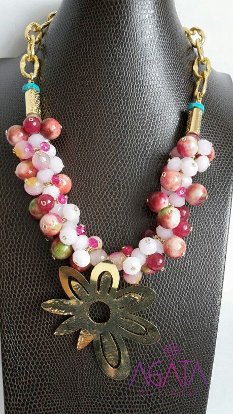 Pink flower necklace. #necklace #fashion #jewelrydesigner #goldfield #agataaccesories #exclusivedesigns.  Instagram @agataaccesories