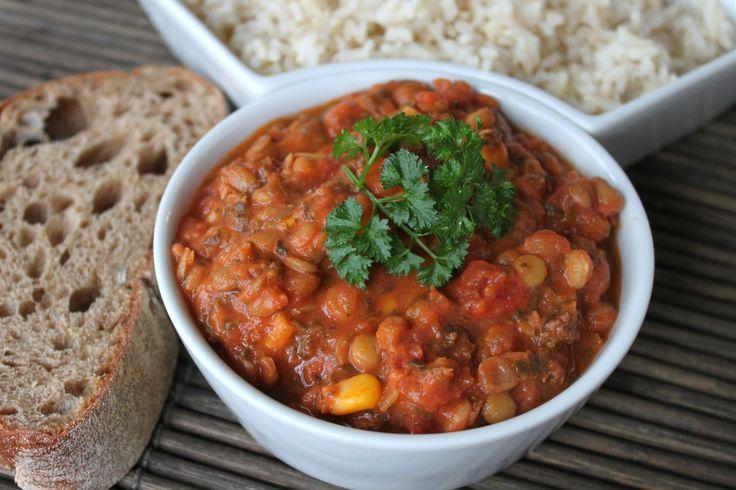 Sund og lækker grøntsagsret med masser af kikærter. Mangler man nogle af grøntsagerne, kan de byttes ud med nogle andre. Serveres sammen med ris.