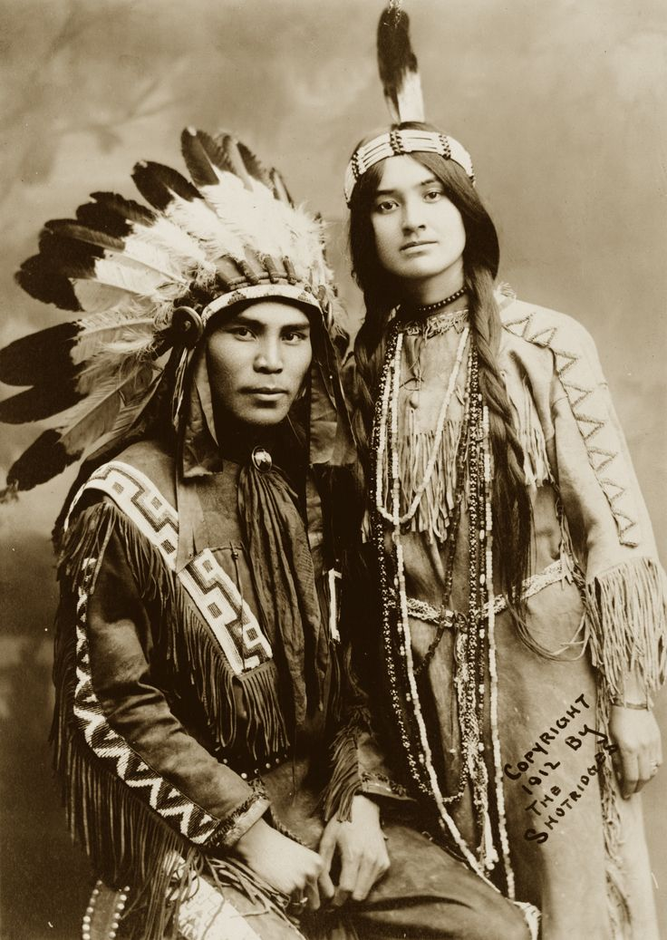 :::::::::: Vintage Photograph :::::::::  Native North American couple, Situwuka and Katkwachsnea 1912