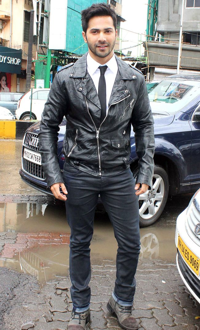 Varun Dhawan looked smart and stylish in black leather jacket promoting Humpty…