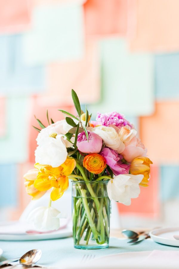 How to create a simple, stunning spring bouquet.