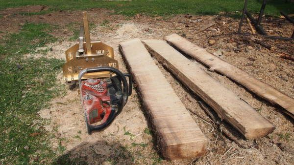 """Saw Mate Sawmill Many people assume that you need a massive chainsaw to mill boards. Whilst this is the case if you are planning to use a 36"""" bar and cut massive wide planks. You can use a small saw with a 15"""" bar if your logs or small, or you want to split beams or sleepers small enough to use in your workshop. You lose approx 6"""" of cut length in the clamping system, so bear this in mind when selecting your bar and mill."""