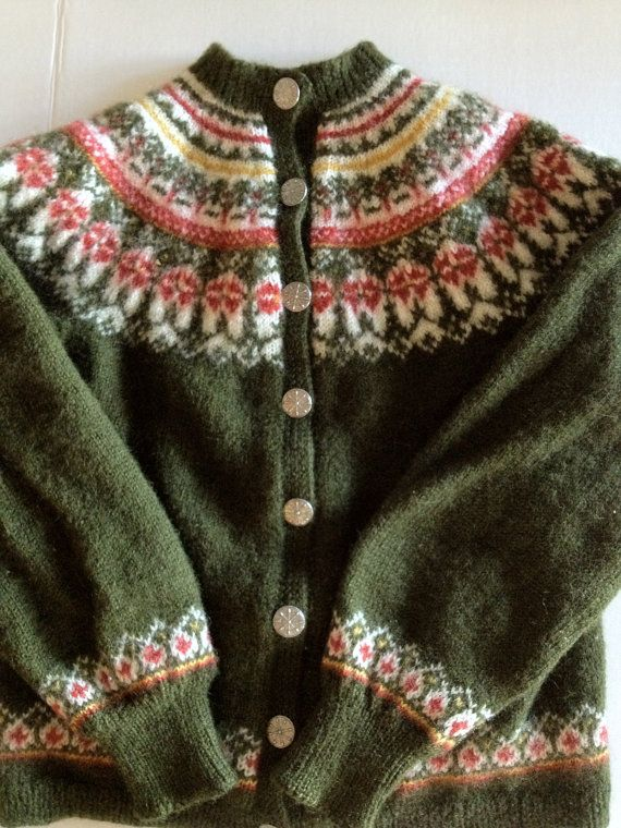 """Tag reflects """"Norway Design Handknitted Shrinkresistant Colourfast 100% Pure Wool"""""""