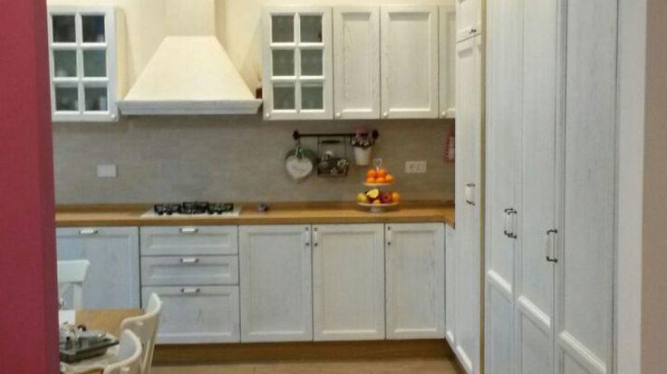 falegnameria bensi...cucina su misura laccata a poro aperto...richiedi il tuo preventivo gratuito e senza impegni