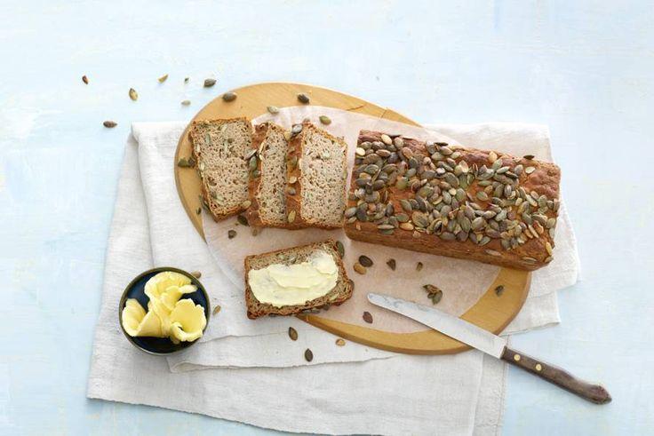 Bij een bijzondere gelegenheid hoort een bijzonder brood. Dan heb je aan deze glutenvrije pompoenvariant een goede! Recept - Glutenvrij pompoen-boekweitbrood - Allerhande