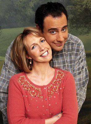 Monica Horan & Brad Garrett made a nice couple on Everybody Loves Raymond.