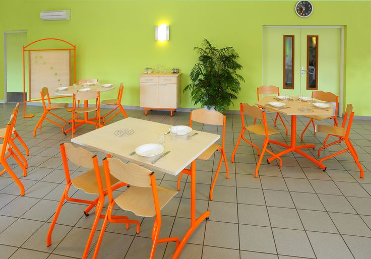 Ambiance self college chaises et tables tim for Ambiance tables et chaises reims