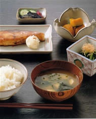 Typical Japanese Home-style Dishes (Rice, Misoshiru Soup, Grilled Fish, Cooked Vegatables)|典型的な日本の食卓  This would put me in 7th heaven