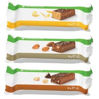 Протеиновые батончики от Гербалайф - это дополнительный источник белка при повышенных физических нагрузках, а также для перекусов между основными приемами пищи. Не содержит ГМО.
