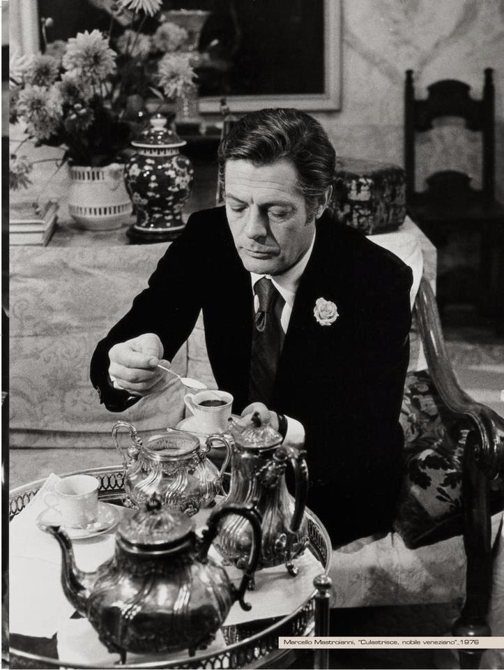 Marcello Mastroianni (1924-1996) #coffee #celebrity #actor #marcellomastroianni