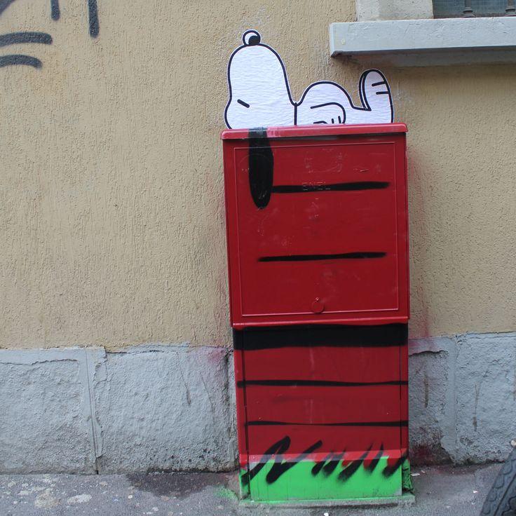 """street art by Pao. """"snoopy"""". 2014. Milano http://restreet.altervista.org/angoli-desolati-del-panorama-cittadino-diventano-piccole-isole-di-colore/"""