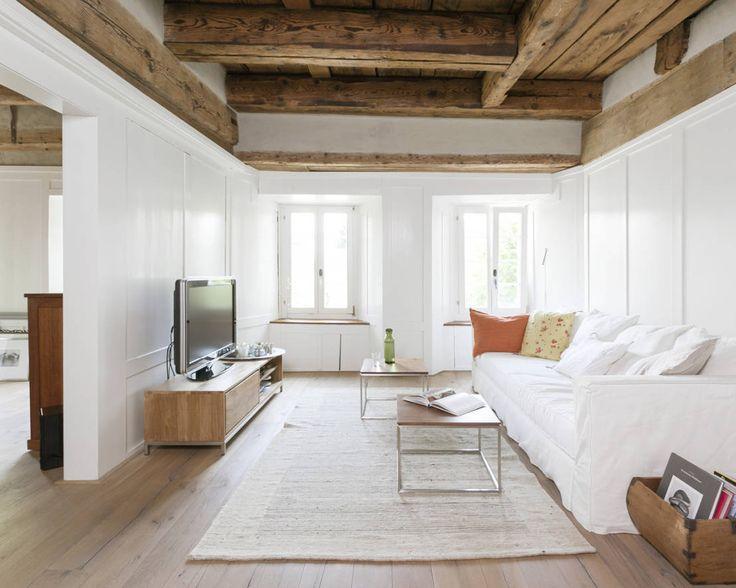Objekt 223 | meier-architekten.ch : Rustic style living room by meier architekten