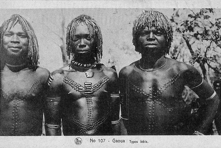Lobis men :  Gaoua, Volta (now Burkina Faso)   Africa     Scanned vintage postcard