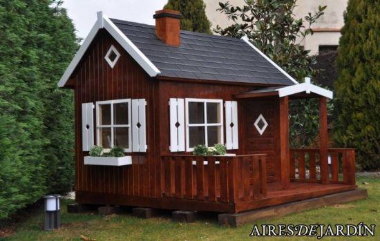 Casita de madera infantil otto montada por los for Casas para jardin infantil