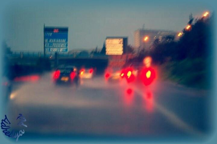 Un soir de pluie!!! On the road in the rain!..