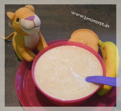 Zwiebackbrei mit Bananen eignet sich für Babys zur Einführung des Getreide-Obst-Brei am Nachmittag. Er ist glutenhaltig und sollte dem Baby möglichst b