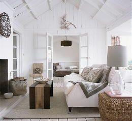 Landelijk Wonen met Trendy Meubels & Woonaccessoires Modern en Antiek (Foto Country Homes & Interiors  op DroomHome.nl)