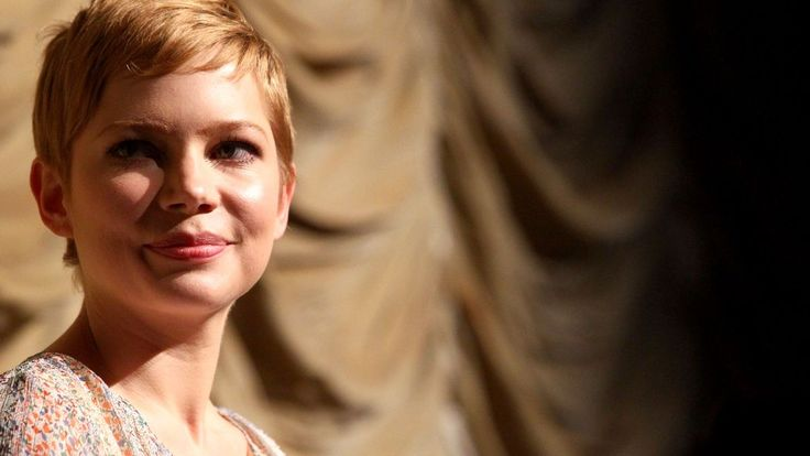 Michelle Williams bundles up as anniversary of Heath...: Michelle Williams bundles up as anniversary of Heath Ledger's death… #HeathLedger