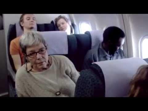 Geniale Werbung gegen Rassismus. (Flugzeug) - YouTube
