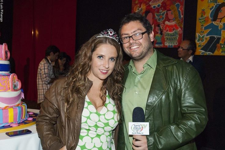 """@barrioitaliatv  y @urbansantiago cubriendo estreno de """"Maldito Disney"""""""